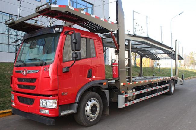 长久集团重庆交付首批中置轴轿运车